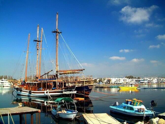 Россияне лидируют в получении гражданства Кипра