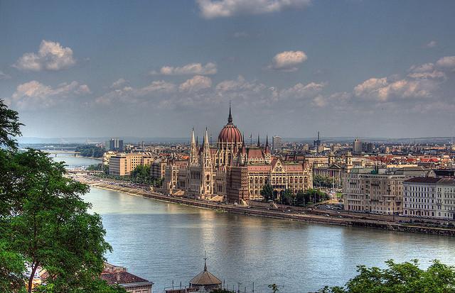 ПМЖ в Венгрии за инвестиции