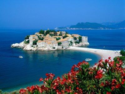 Гражданство Черногории - еще три отеля намечены к одобрению