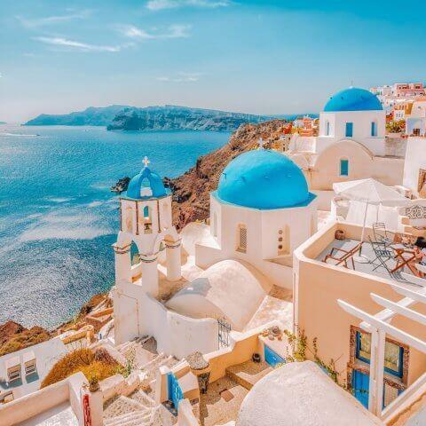 Правительство Греции хочет привлечь богатых иммигрантов