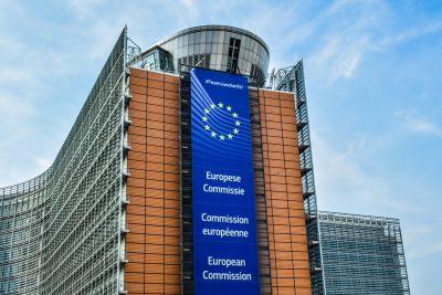 Еврокомиссия продолжает давление на паспортные программы